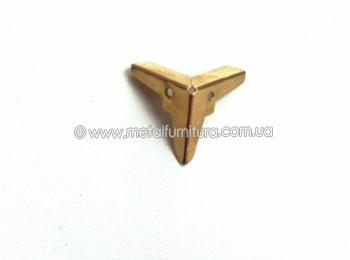 Кутик декоративний С-067